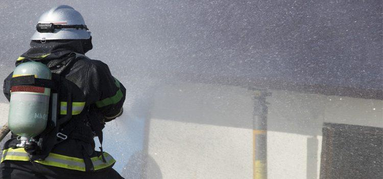 消防資機材  多数取扱いしております。
